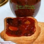 Confettura di prugne e albicocche con zenzero e mandorle a lamelle