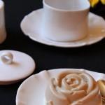 Budino di yogurt alla vaniglia e caffè. Da un'alga…una rosa