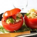 Pomodori ripieni di insalata di pasta. Daje de tacco…le!