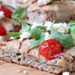 Focaccia con olive e feta. Sognando la Grecia!