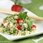 Cous cous con piselli, feta e fragole. Something Red: Something salty!