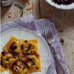 Ravioli al radicchio e pecorino fresco con gelatina di aceto balsamico. Non volevo ma…