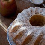 Ciambella soffice di mele con mascarpone e cocco. Di frutti falsi e vere bontà!