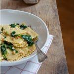 """""""Sfoja lorda"""" al gorgonzola con composta di fichi, spinacini e nocciole croccanti. Buona la terza!"""