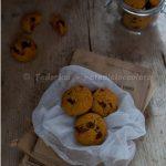 """Cookies alla bacche di goji e gocce di cioccolato. Something Red: di """"pennute"""" e di biscotti!"""