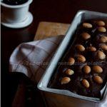 Plum cake al cioccolato, amarene e macadamia. Eccome se Vale!