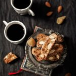 Almond-ginger biscotti. Martha, che mi combini?