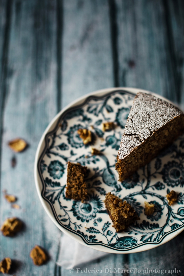 Walnut gianduja cake