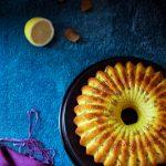 """Ciambella al limone, curcuma e zenzero. Un delizioso """"raggio"""" di sole."""