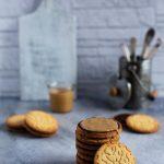 Biscotti arachidi e cioccolato. Buoni 3 volte tanto.