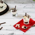 Crema mousse di yogurt al cocco e cioccolato.