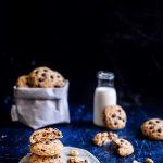 Cookie con gocce di cioccolato e arachidi salate. Contrasti golosi!